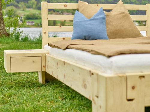 einzelbett und doppelbett aus massivholz zirbe
