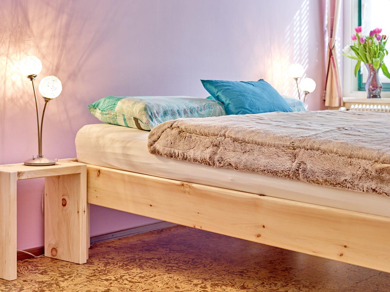 schräg schlafen im Refluxbett aus Zirbenholz zirbe zirbenbett reflux